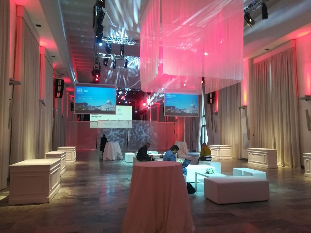 Vision Solution Day Rome was hosted in this amazing venue - Spazio Novecento. Don't you agree?!
