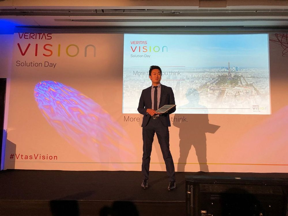 VSD Paris was opened by the magician; Hiro.