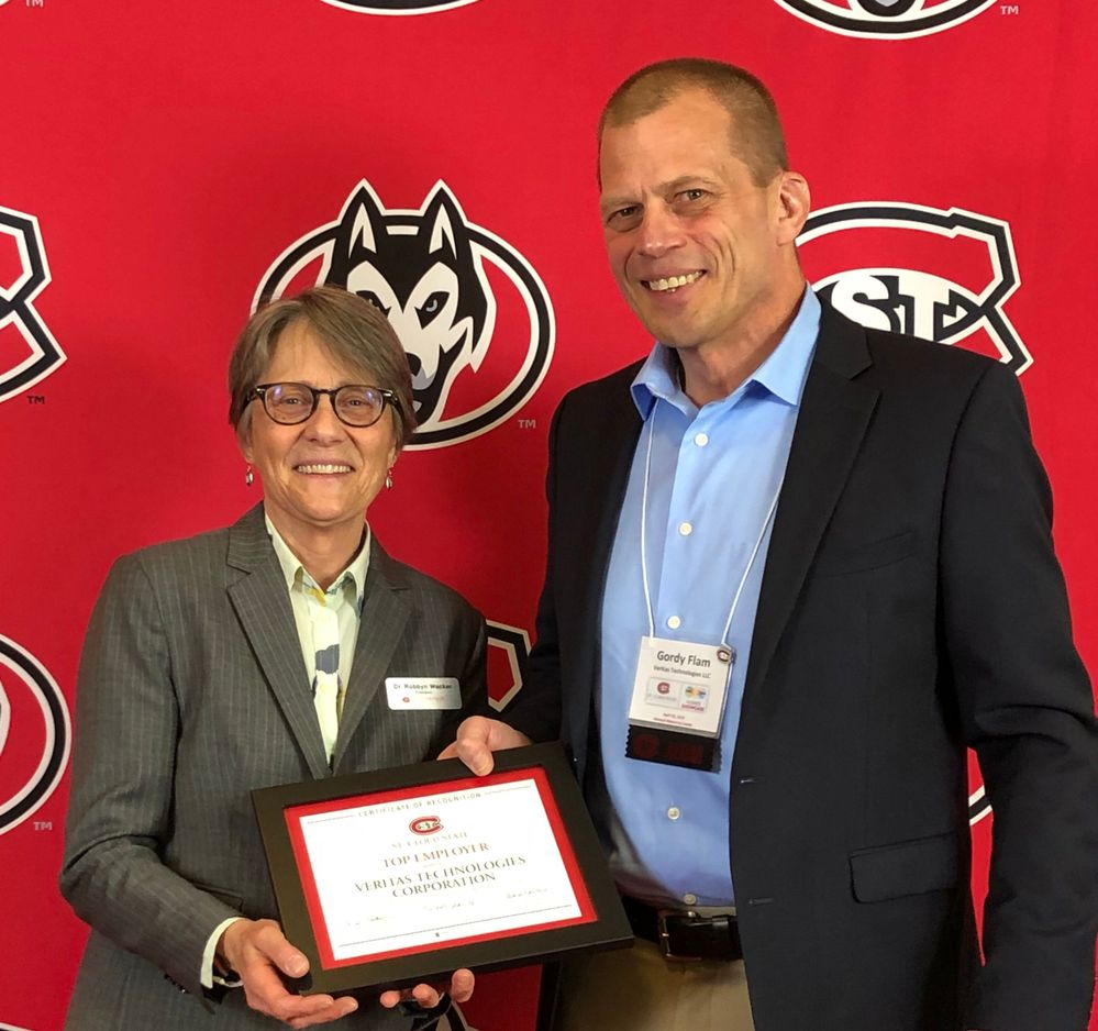 Veritas' Gordy Flam representing the company at the SCSU Top 25 Employer Award Reception and Huskies Showcase.