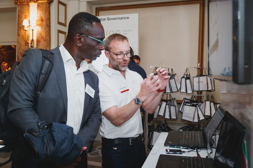 Genius labs with solution demos proved very popular with VSD attendees..