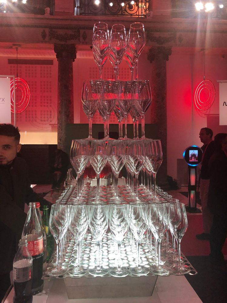VSD Paris closed with a cocktail recpeption. See you at the next #VtasVision Solution Day!