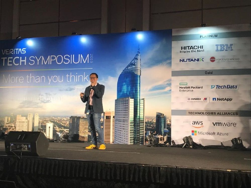 Thank you to Yos Vincenzo from Microsoft for providing a great keynote session at VTS Jakarta, Indonesia.