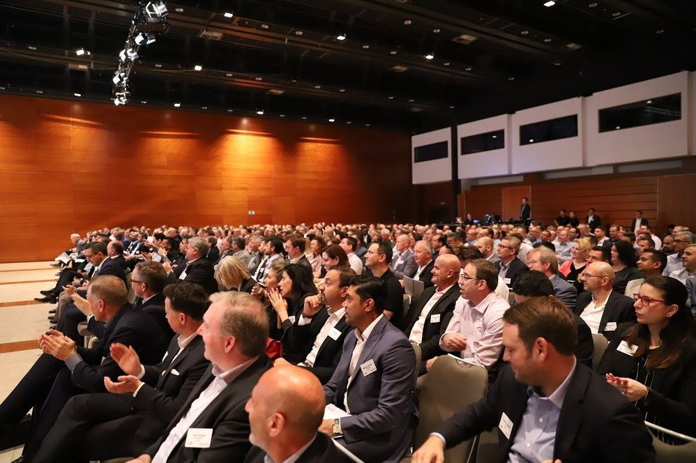 A full house for the EMEA Kick-Off event with over 500 attendees.
